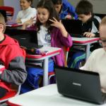 Projeto Escola.com distribuiu 4200 netbooks para as escolas da rede municipal - Cadini / Secretaria Municipal de Educação de Cascavel