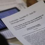 """Além de exercícios no computador, alunos devem responder questionários """"off-line"""" - André Luiz Mello"""
