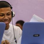 """Para Kevin William de Souza, o computador em sala de aula """"dá estímulo a estudar"""" - André Luiz Mello"""