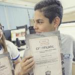 Alunos recebem certificado após completar missão no Aventuras do Currículo + - Gabo Morales