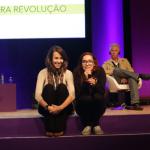 Camila Achutti (Technovation) convida aluna para contar sua experiência - Foto: Luciana Serra
