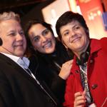 Participantes tiram fotos durante o evento - Foto: Luciana Serra