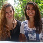 """Natália Ferraz e Pâmela Melo, da E. E. Andronico de Mello: """"Eles dão um exercício para todo mundo da sala. É um padrão"""