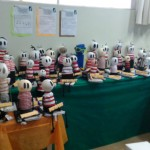 Com ajuda da família, cada aluno construiu o seu boneco Cuca para expor - Foto: Rosângela Queiroz