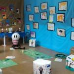 Além de desenharem releituras da artista Nina Pandolfo, as crianças produziram pufs para que os visitantes pudessem sentar - Foto: Rosângela Queiroz