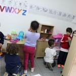 Salas de aula da EMEI Gabriel Prestes possuem cozinhas em miniatura - Crédito: Marina Lopes/Porvir