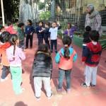 As aulas na EMEI Gabriel Prestes também acontecem fora da classe - Crédito: Marina Lopes/Porvir